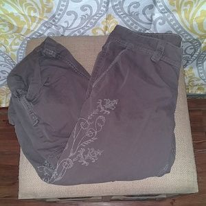 Lucky Brand Embroidered Capri Pants 8/29